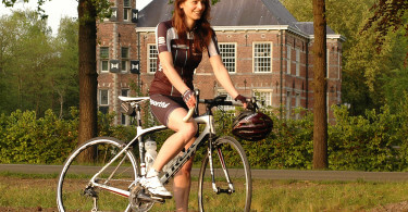 Dameswielershirt en short van Sportful Gruppetto