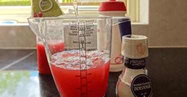Zelf isotone sportdrank maken