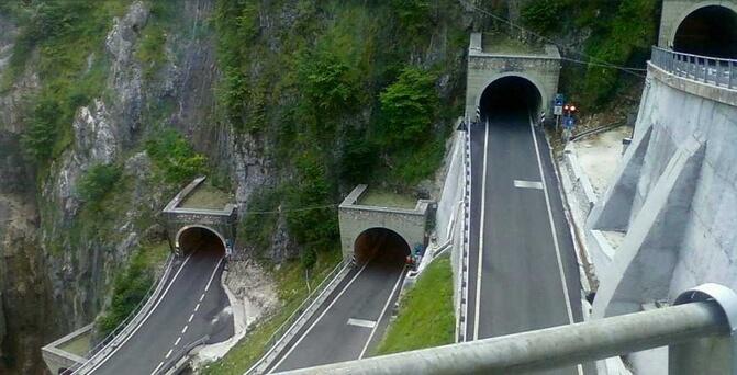 Vijf tunnels van Passo San Boldo