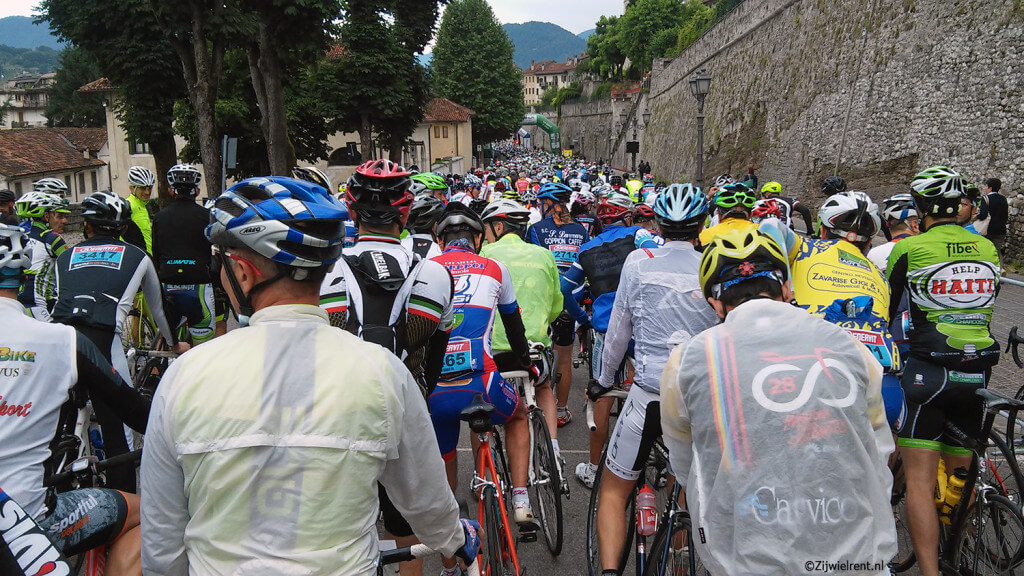Aan de start van de Sportful Granfondo