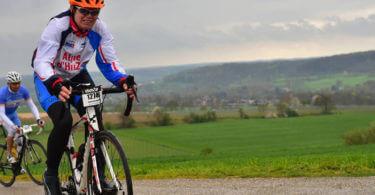 Iveke fietst Alpe d'Huzes